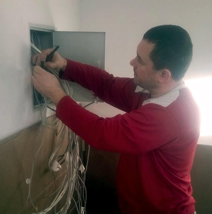 Прокладка кабеля для домофона в Мытищах